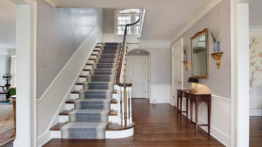 Famous Movie Houses: Home Alone Stairs Now